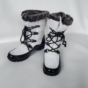 Weatherproof white and black winter boots 7
